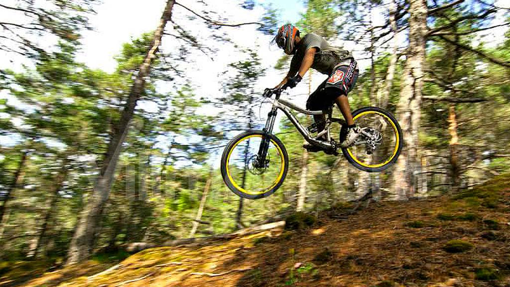 Mountain biking: cycling in the Benasque Valley