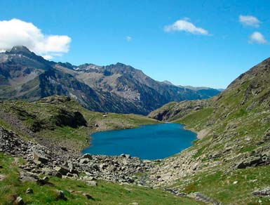 Route to the Gorgutes and Solana de Gorgutes lakes